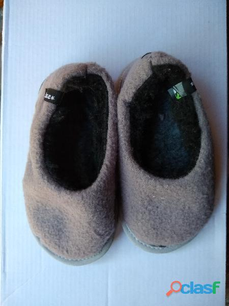 Chinela mocasin cerrada gris piel interior infantil nene nro 23 nueva