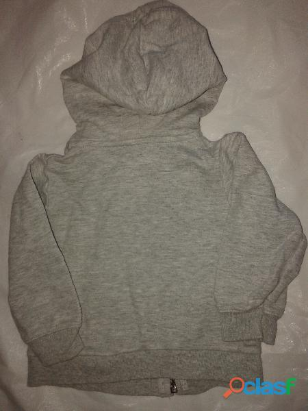 Campera hoddie carters 9m.gris algodon casi sin uso perfecta