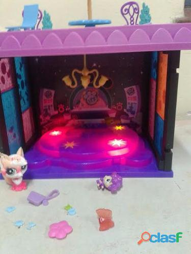 Escenario little pet shop, terraza accesorios, luces, muneco