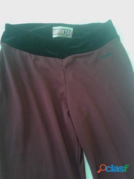 Pantalon kosiuko t 24 bordo cintura y ruedo terciopelo negro