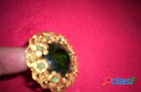 Prendedor dorado gran piedra verde y otras chicas 5,5cm