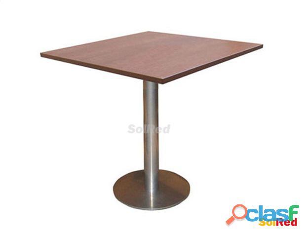 Solred, mesas, banquetas y sillas para bares, restaurantes y hoteles.