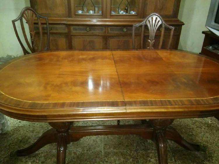 Importante mesa estilo ingles antigua
