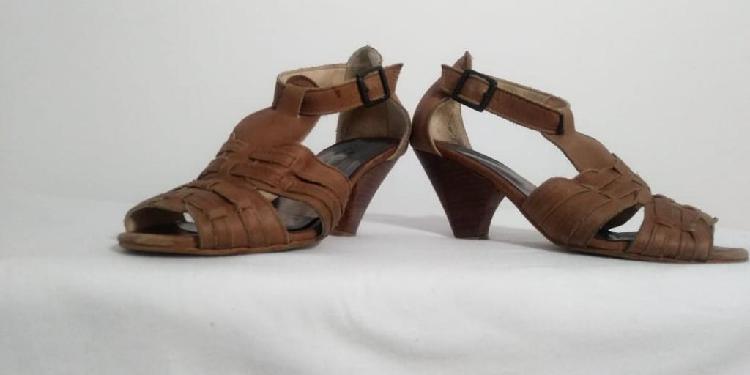 Sandalias lucerna de cuero
