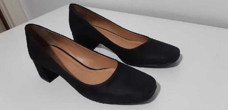 Zapatos stilettos negros talle 38