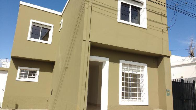 Alquilo duplex tres dormitorios 9 de julio 1160 $13000