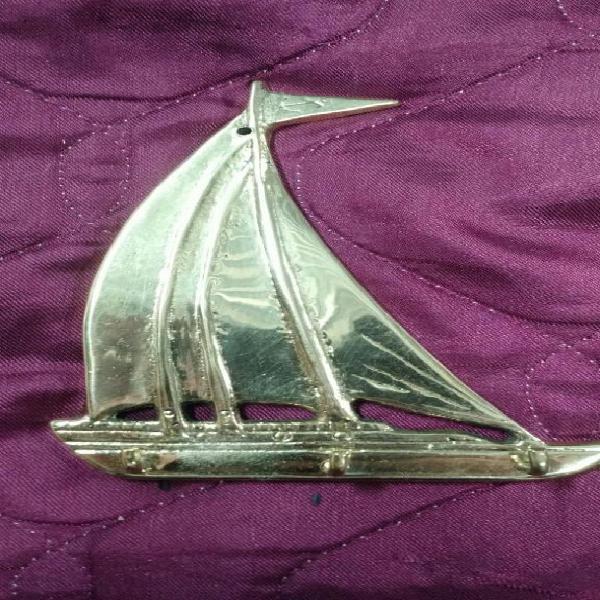 Porta llaves, llavero de bronce. velero.