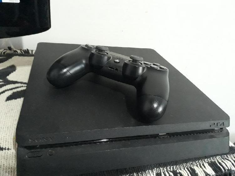 Ps4 slim 500gb 2 joystick 4 juegos