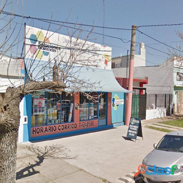 Churruarin y Diaz Velez. Vendo local con depósito Paraná