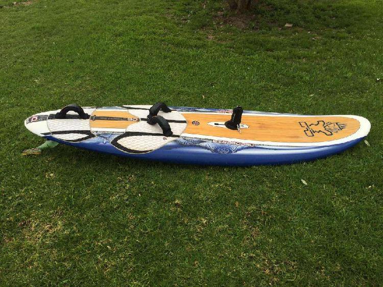 Tabla de windsurf starboard evo wood iq 90 lts.
