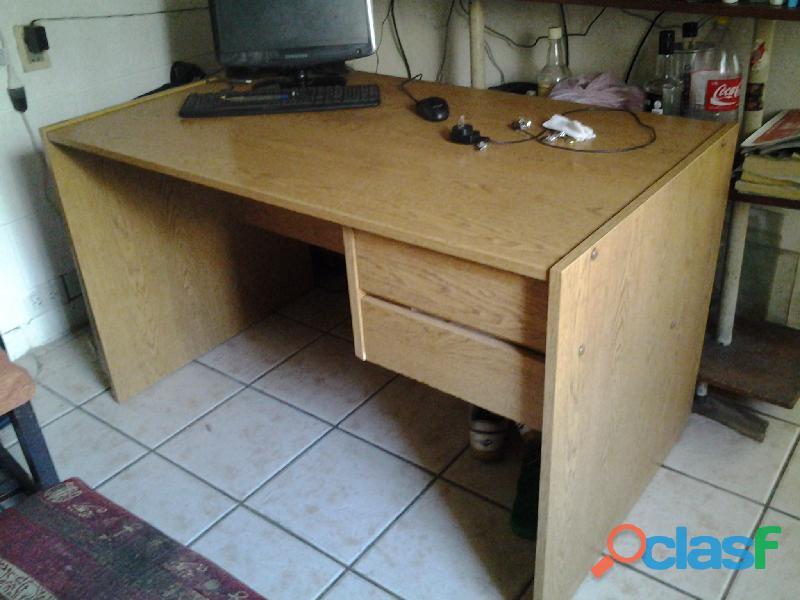 Excelente escritorio/ estudio/ computacion