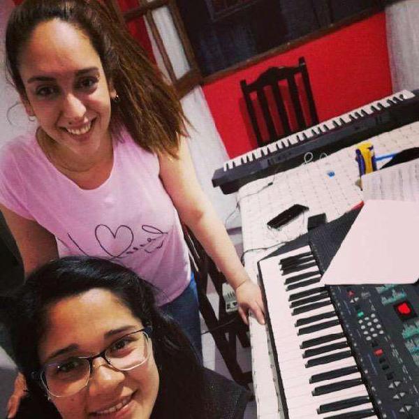 Clases piano,canto y guitarra