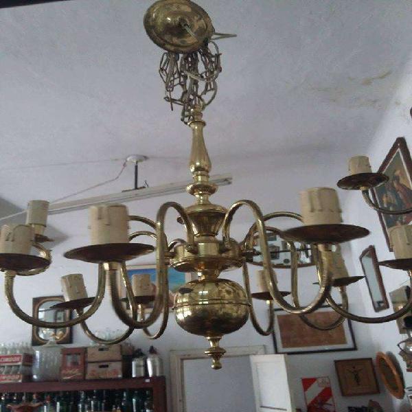 Antigua araña holandesa en bronce 8 luces funciona