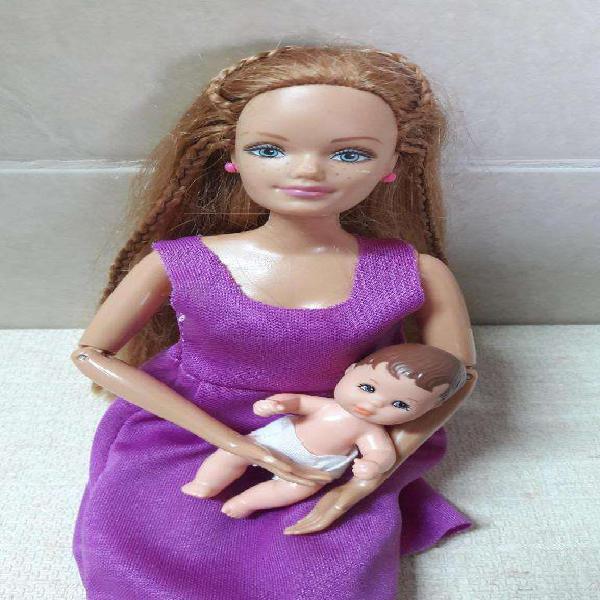 Muñeca barbie midge con detalles y bebe