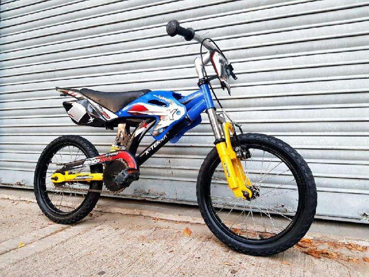Bicicleta niña niño rodado 16 moto cross doble suspension.