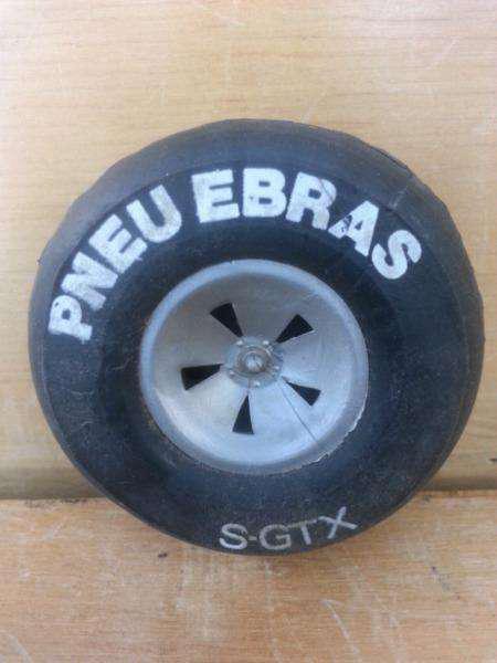 Rueda en miniatura pneu ebras sgtx
