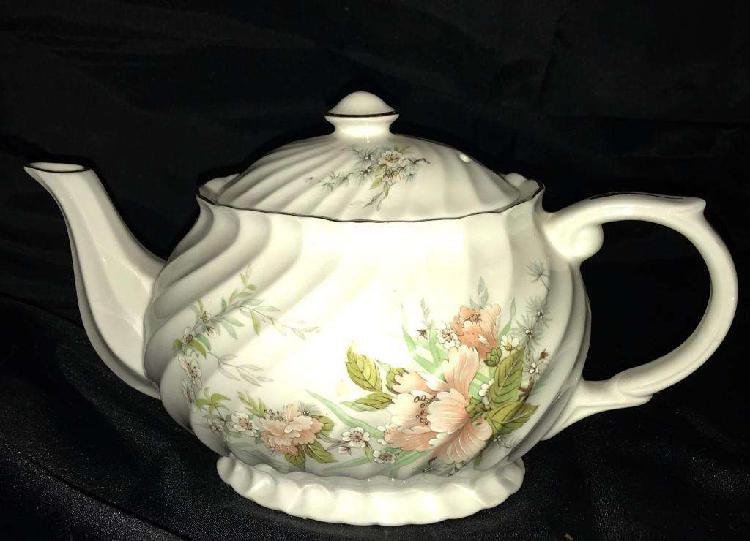 Antigua tetera porcelana royal park chelsea staffordshire