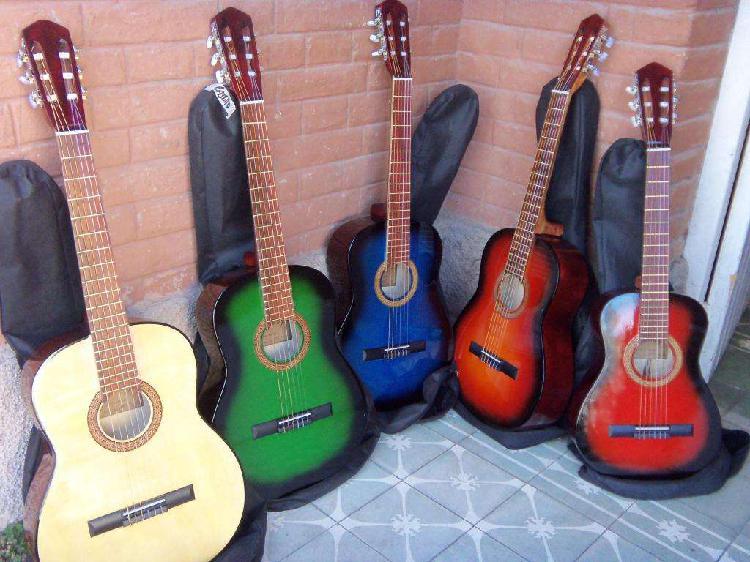 Guitarras criollas, nuevas, con funda, de estudio, buena