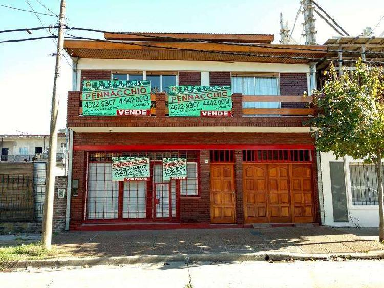 Casa 5 amb 8,66x43 c/local, fondo, quincho 347 m2