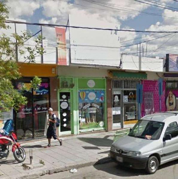 Local comercial en el centro bajo calle alcorta