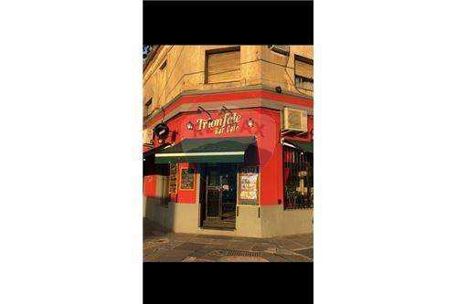 Venta-fondo de comercio-bar/restaurante-esquina