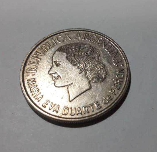Moneda argentina conmemorativa de evita, 2002, 80