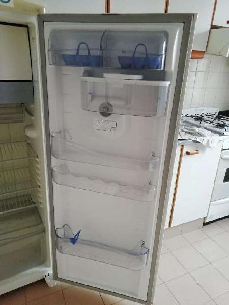 Heladera eslabón de lujo con congelador