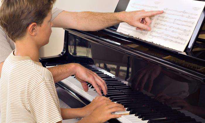 Clases de piano a domicilio. principiantes. niños y