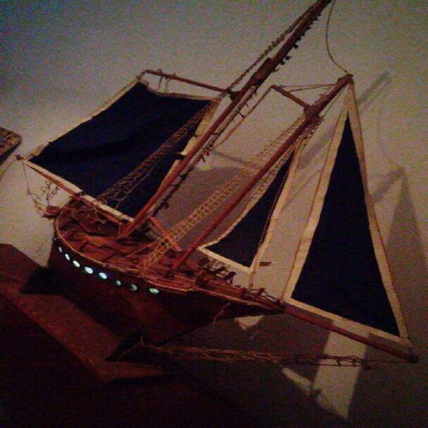 Excelente Barco Antiguo con Luz