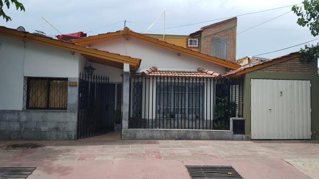 Casa De 7 Ambientes Y 2 Baños