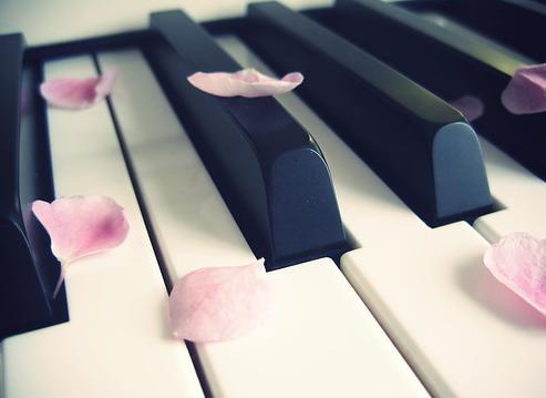 Clases de piano y teclados... venia a hacer aquello mas te