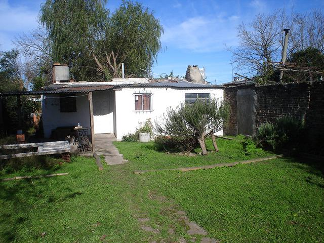Vendo casa longchamps alte.brown 300.000$: 4 habitac.,living