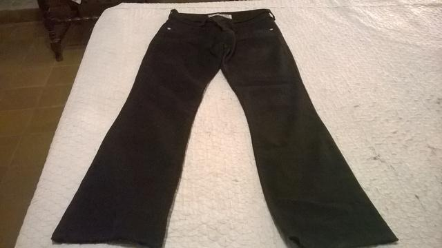 Pantalon negro clasico. muy buen estado, talle 38