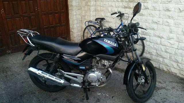 permuto moto Yamaha 125 y ford falcon por moto honda o