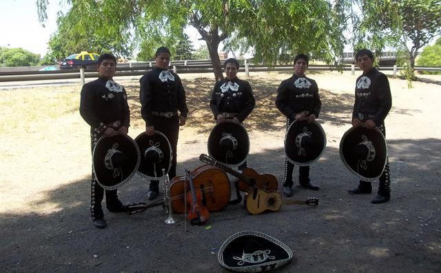 Mariachis en caseros, villa bosch, palomar mariachi caseros