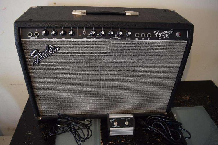 Vendo amplificador de guitarra fender frontman 212r