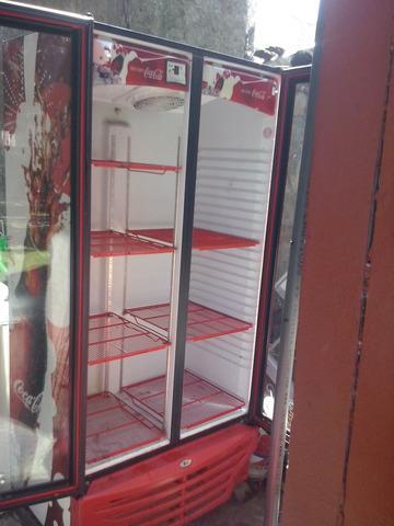 Vendo heladera exhibidora vertical de 2 puertas