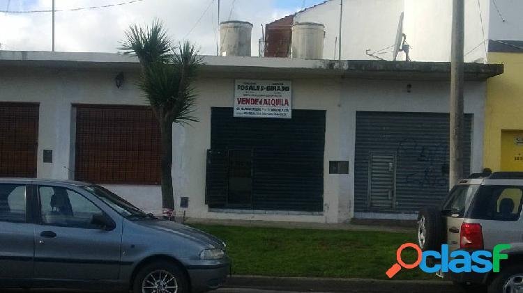 Local zona villa primera a metros de av.jara, con renta.
