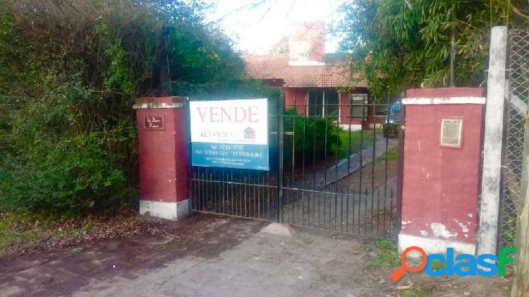 Casa con lote de 1900 m2 en Barrio Parque Alvear I Tortuguitas 1