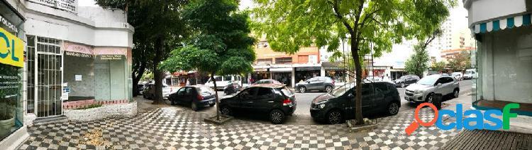 Gran local a la venta en el centro de la ciudad
