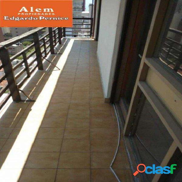 Venta dpto 2 ambientes! Zona La Perla! Con balcón a todo lo ancho del dpto. 2