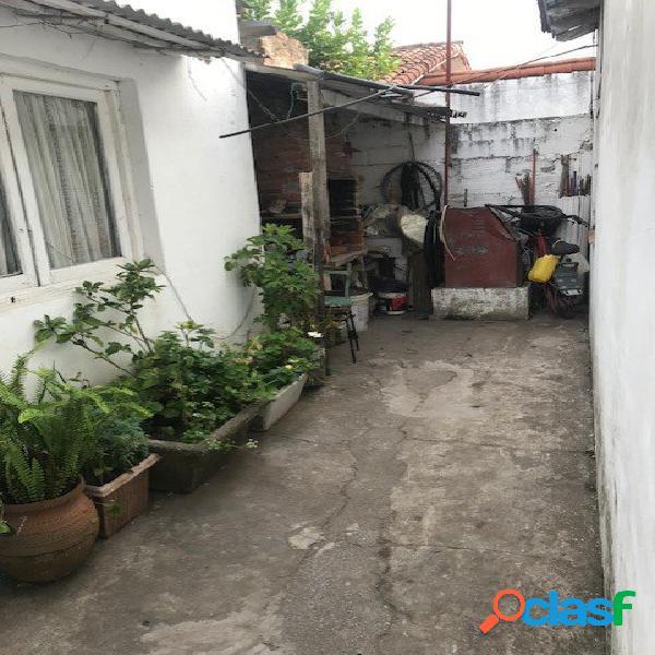 Casa 4 ambientes + casita fondo 3