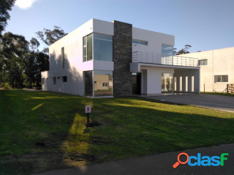 Vendo casa (6) ambientes - piscina - barrio privado rumenco los tilos