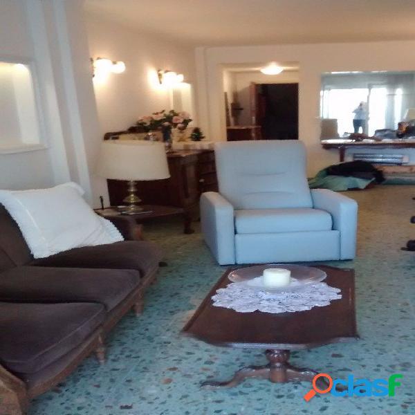 SEMIPISO 3 Ambientes con Dependencias de Servicio y Baulera - Zona Shopping Los Gallegos - A LA CALLE 2