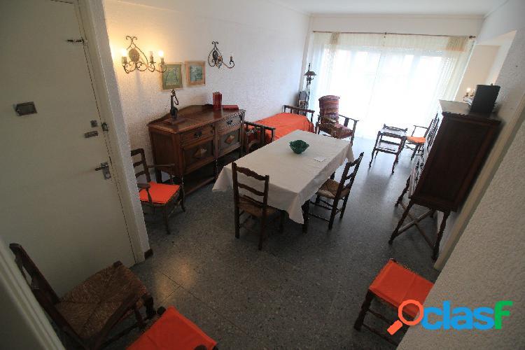 Venta 3 ambientes condependencia balcón a la calle y vista panorámica a plaza colón y el mar!!