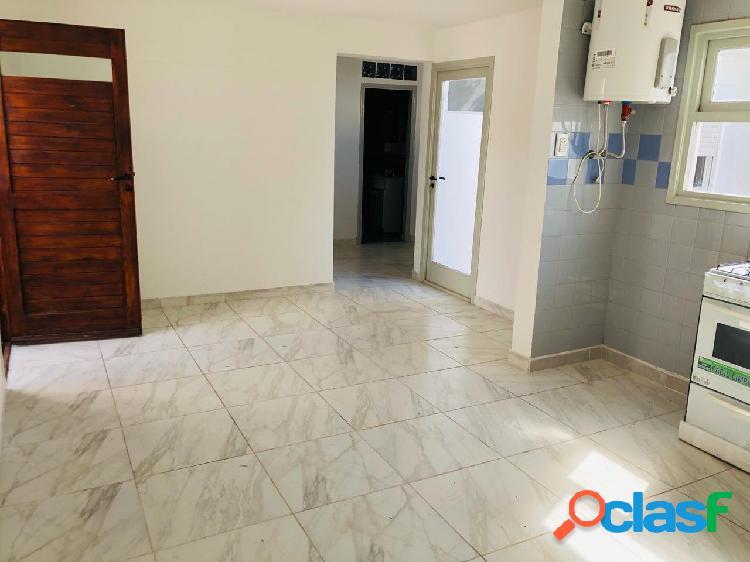 Oportunidad ! retasado!! ph 3 ambientes en barrio villa primera en venta