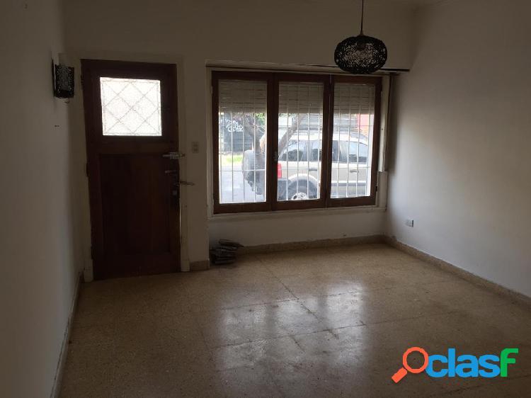 Venta Casa Chalet 3 Ambientes Con Dependencia Garage Patio 1