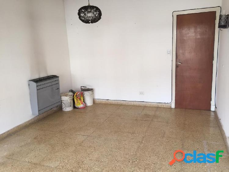 Venta Casa Chalet 3 Ambientes Con Dependencia Garage Patio 2