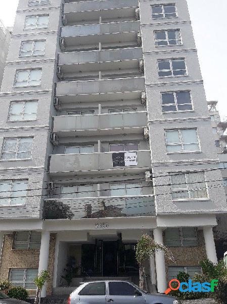 Se vende departamento de un ambiente con balcón a la calle y vista al mar