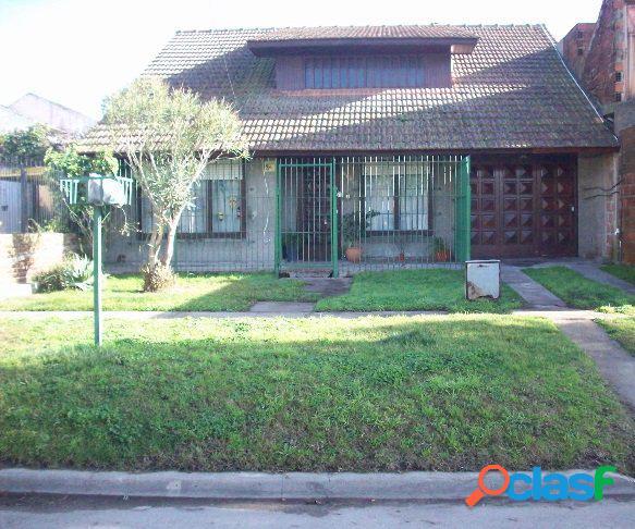 Chalet 3 amb. garage. parque. 80 m2 cub. 433 m2 lote. las lilas.